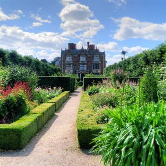 House/Gardens